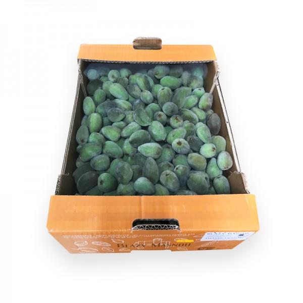 Grüne Mandeln, frisch