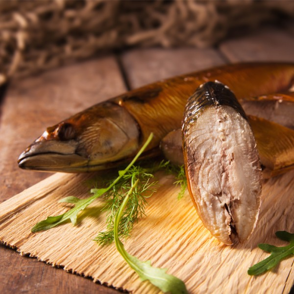 Makrele ganz, heißgeräuchert
